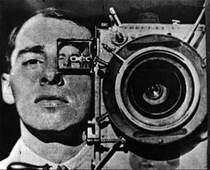 Człowiek z Kamerą, (ros. Chelovek s kinoapparatom), reż. Dżiga Wiertow, 1929.