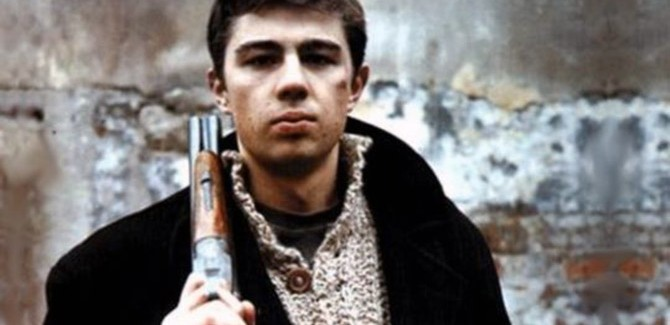 Brat (ros. Брат), reż. Aleksiej Bałabanow, 1997