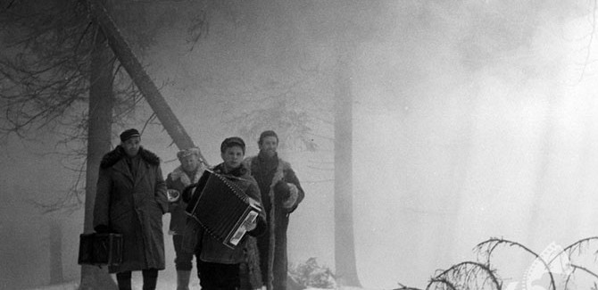 Baza ludzi umarłych, reż. Czesław Petelski, 1958