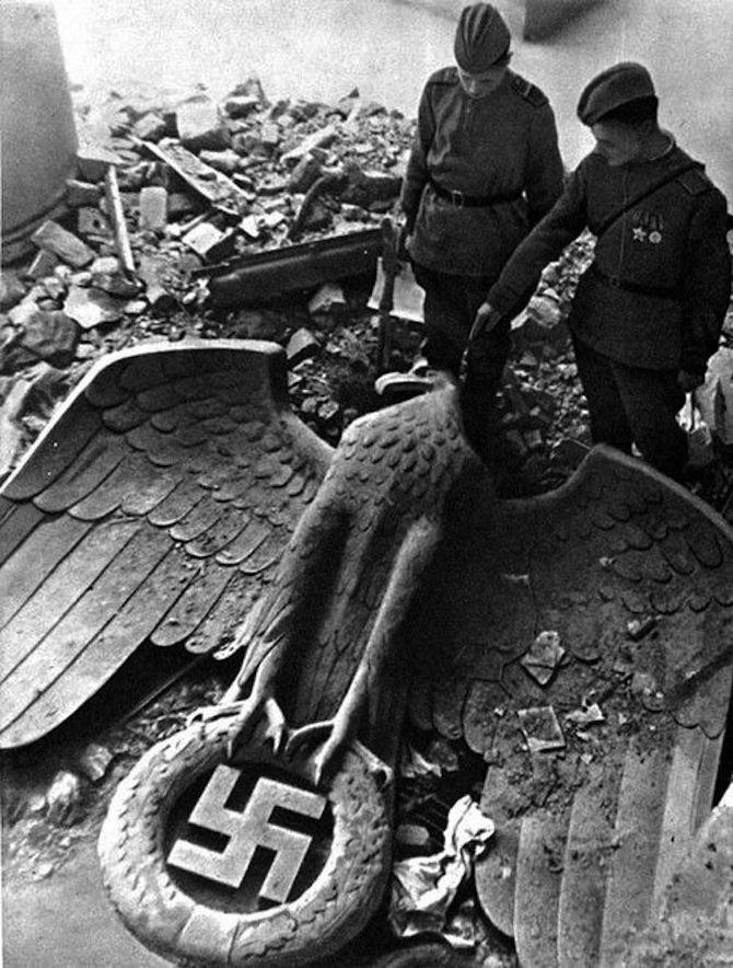 Powstanie nazistowskich Niemiec w archiwalnych filmach